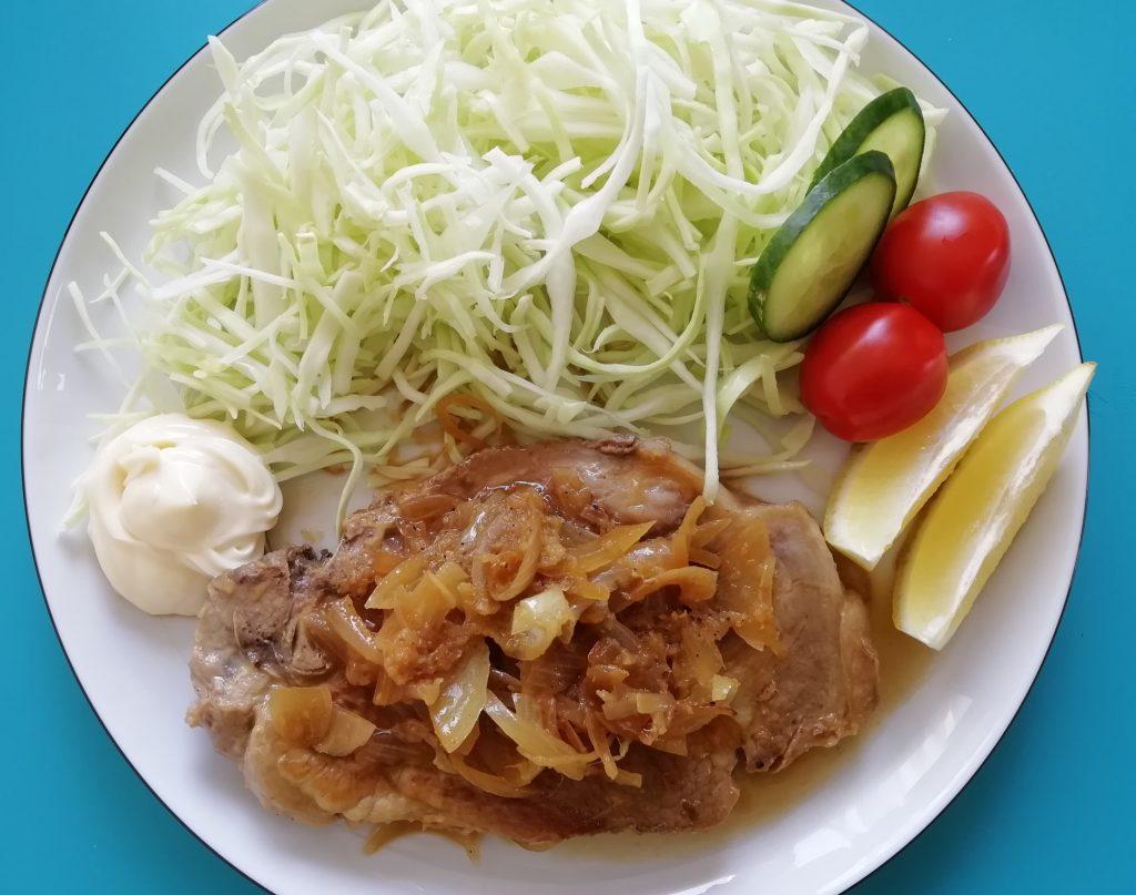 Buta no shōga-yaki (Gebraten Schweinefleisch mit Ingwer )